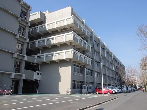 奈良女子大学総合研究棟 改修工事