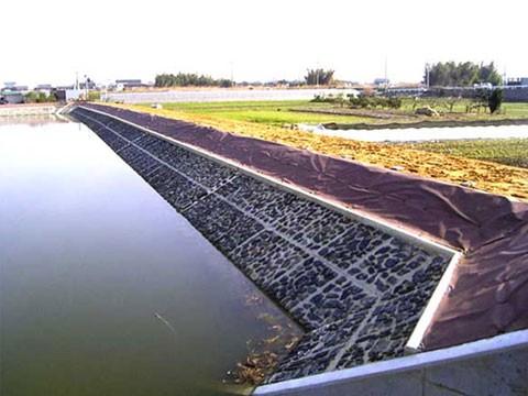 大和平野農地防災事業 大和平野地区ため池(三河池) 改修工事