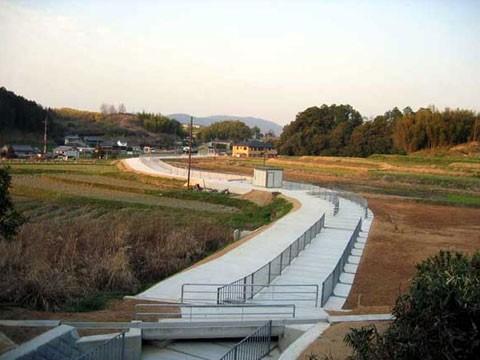 大和紀伊平野農業水利事業(一期) 大和平野国営東部幹線水路等 改修工事