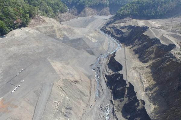 栗平川湛水池周辺整備工事